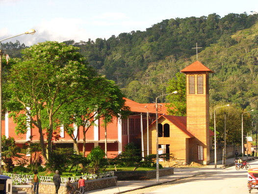 capilla-remodelada-villa-rica-peru